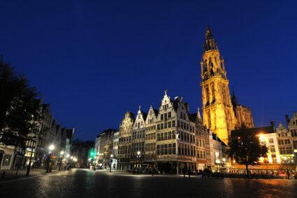Alstadt Alkmaar bei Nacht