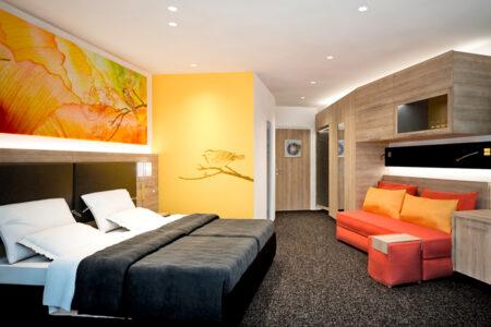 Hanse Hotel Attendorn Zimmer orange