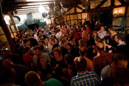 Party in der großen Scheune im Beverland