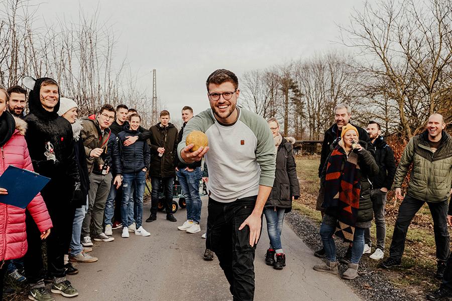Kohlfahrt-Gruppe geht Bosseln im Beverland