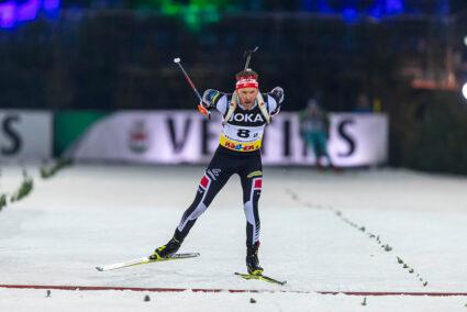 Biathlonläufer Simon Eder beim Biathlon auf Schalke