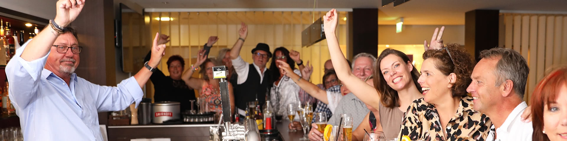 Partystimmung in der Hotelbar in Bielefeld
