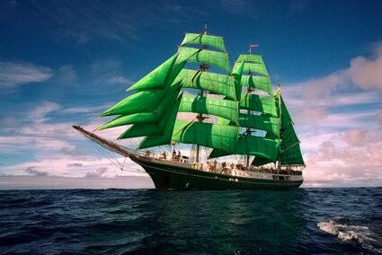 Segelschiff Alexander von Humboldt auf dem Meer