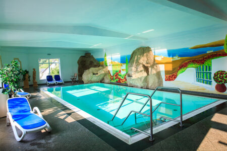 Schwimmbad im Hotel Anker in Brodenbach