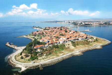 Luftansicht auf die Stadt Nessebar in Bulgarien