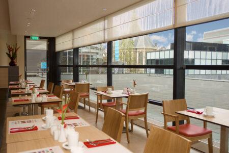 Frühstücksraum im Mercure Hotel De Haag Central