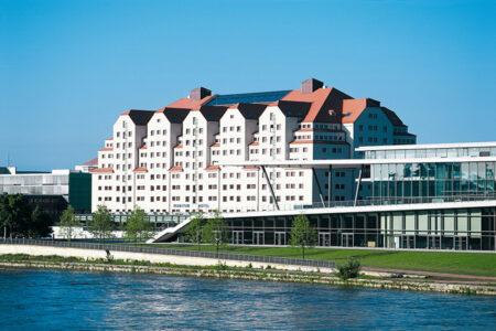 Außenansicht Maritim Hotel Dresden