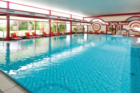 Schwimmbad im Maritim Hotel Bad Wildungen im Edetal
