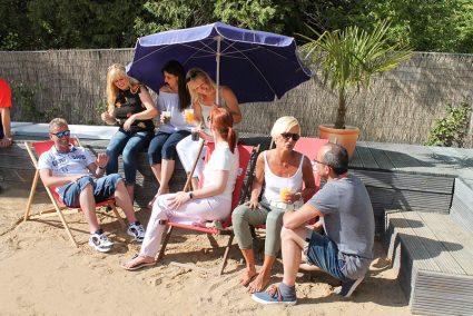 Geselligkeit am Beach in Hallorca