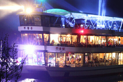 Party an Bord eines schiffes in Hamburg
