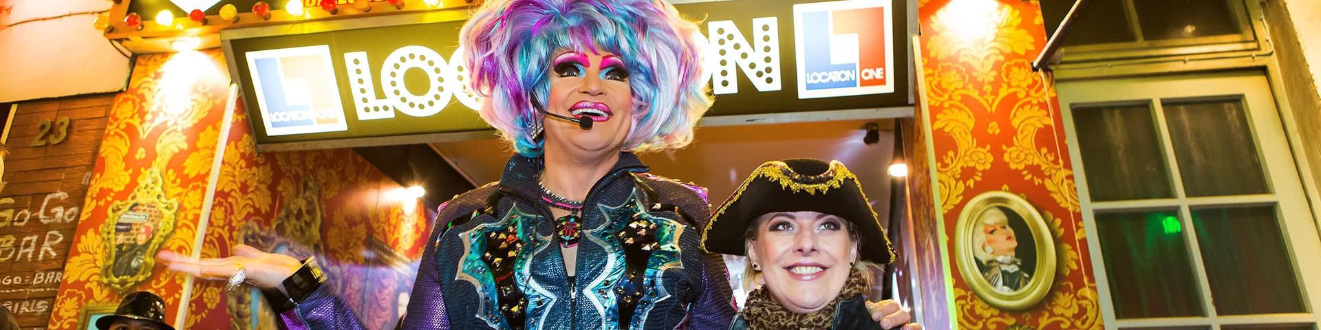Olivia Jones vor ihrem Lokal auf dem Hamburger Kiez