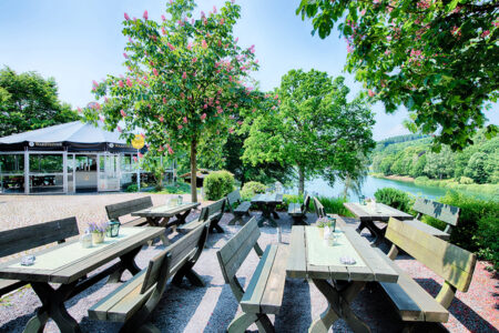 Biergarten am Welcome Hotel Hennesee
