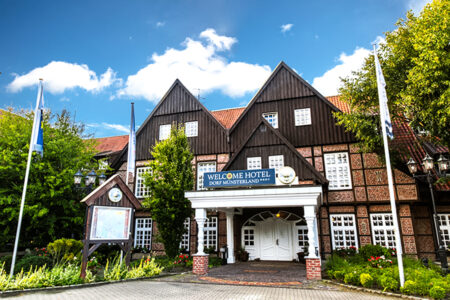 Außenansicht Hotel im Dorf Münsterland