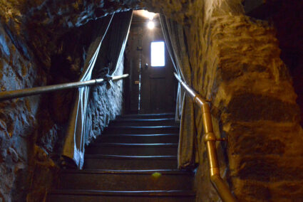 Treppenaufgang im Burgkeller in Limburg