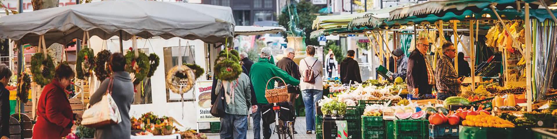 Wochemarkt in der Altstadt von Limburg