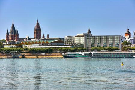 Außenansicht Hilton Hotel Mainz am Rhein