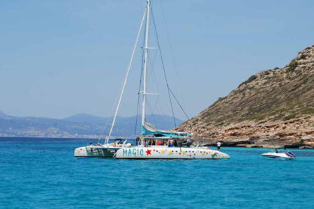 Magic Catamaran auf dem Mittelmeer vor Mallorca