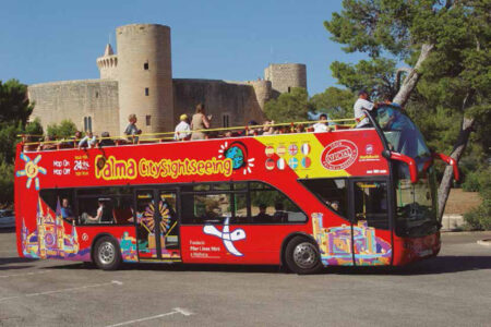 Hop-on-hop-off-Bus in Palma auf Mallorca
