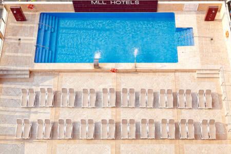 Poolbereich im Hotel MLL Caribbean Bey auf Mallorca