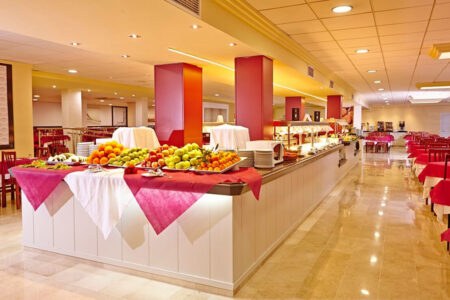 Buffet im Restaurant im Hotel MLL Palma Bay Resort auf Mallorca