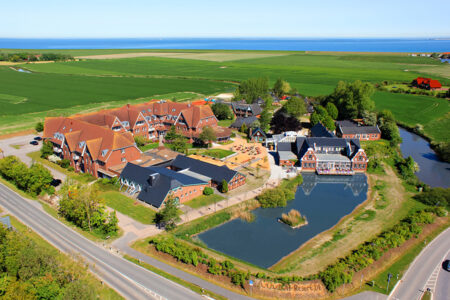 Luftbild DJH Club-Resort Neuharlingersiel