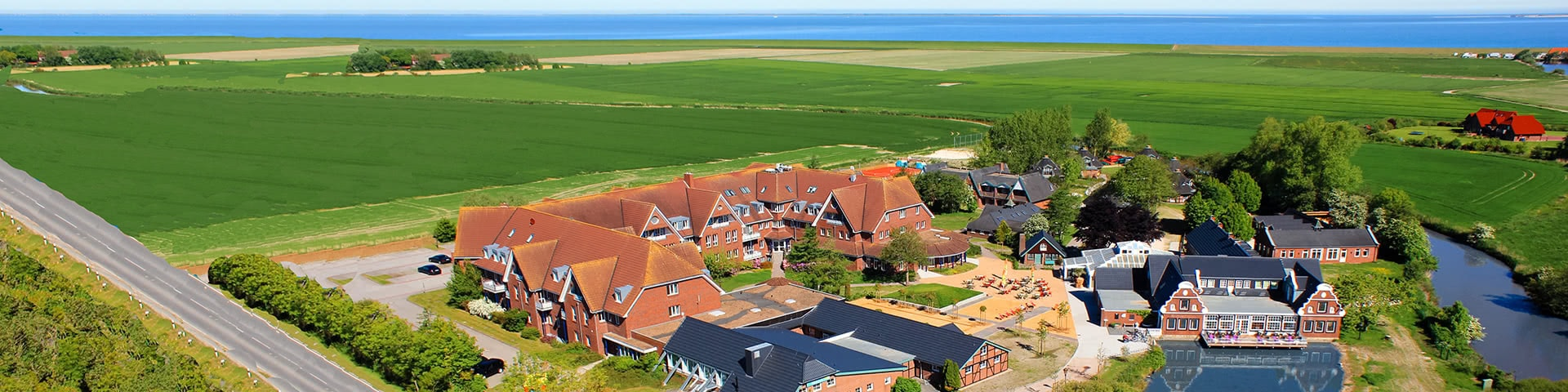 Luftansicht vom DJH Club-Resort Neuharlingersiel