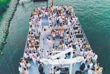 White-Party auf dem Deck eines Schiffes in Neuwied