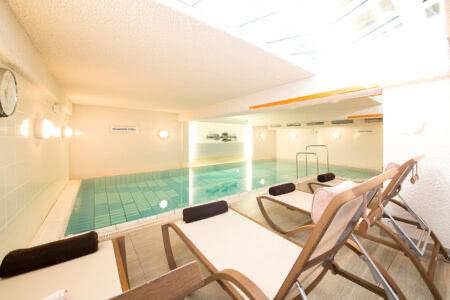 Schwimmbad im Inselhotel Vier Jahreszeiten auf Norderney