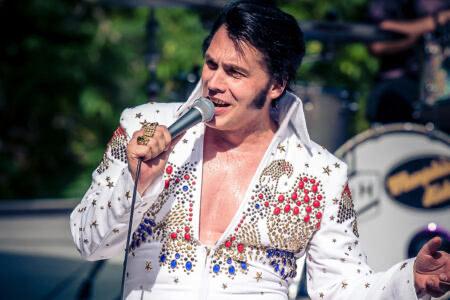 Auftritt von einem Elvis-Doublenin Oberursel
