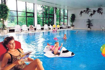 Schwimmbad im Parkhotel Olsberg