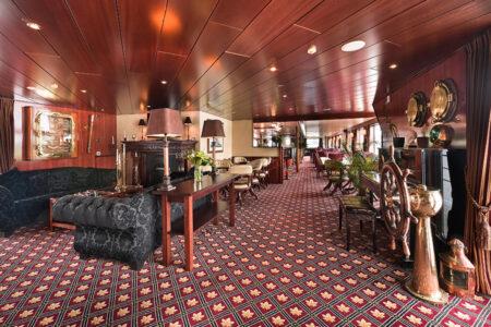 Loungebereich auf der MPS Rembrandt van Rijn