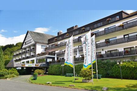 Sauerland Alpin Hotel Außenaufnahme