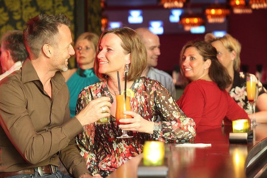 Cocktail trinken an der Bar in Soltau