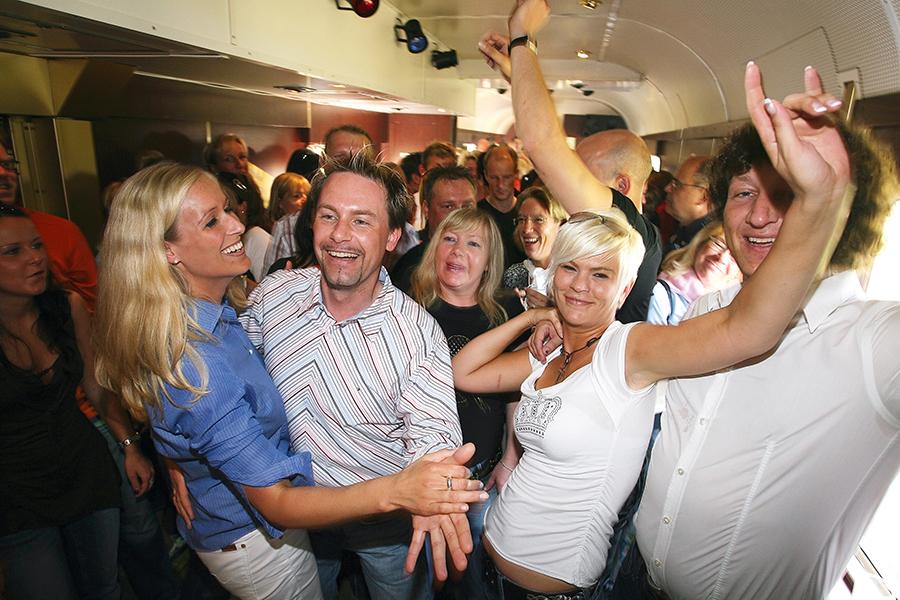 Partyspaß im Tanzwagen