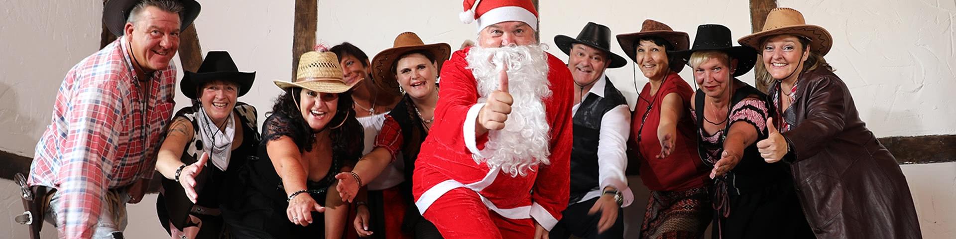 Wild-West-Gruppe mit Weihnachtsmann im Wangerland