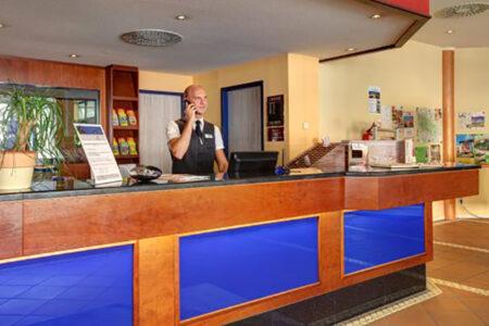 Rezeption im Hotel HKK Wernigerode