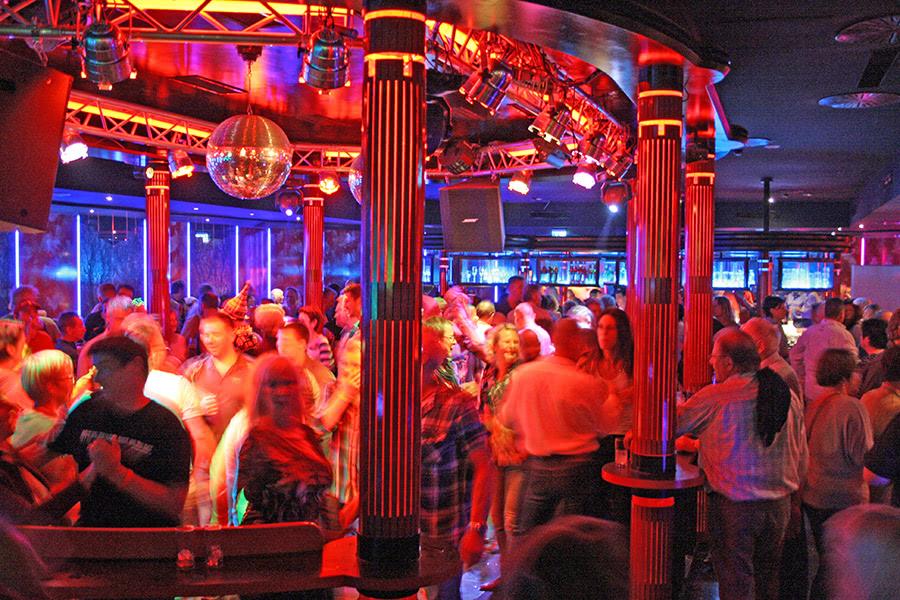 Party im Starclub im Sauerland Stern Hotel in Willingen