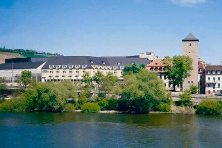 Außenansicht vom Martitim Hotel Würzburg